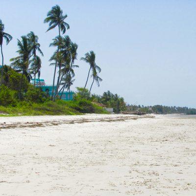 bagamoyo beach